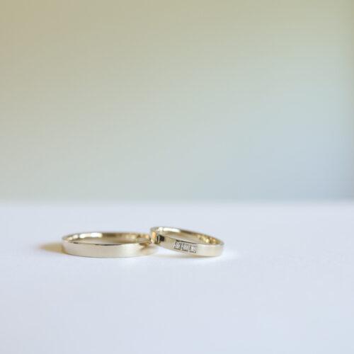 マス留めダイヤの結婚指輪