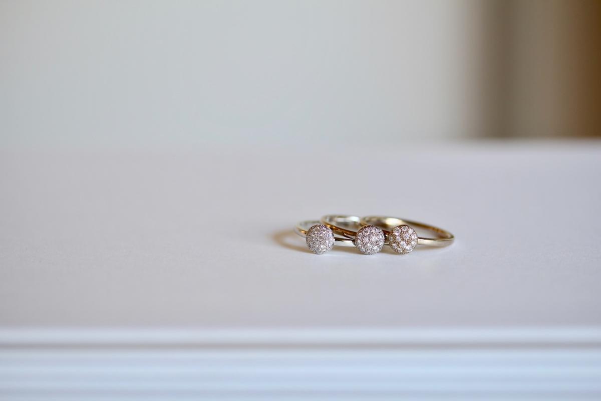 タイムをイメージした婚約指輪