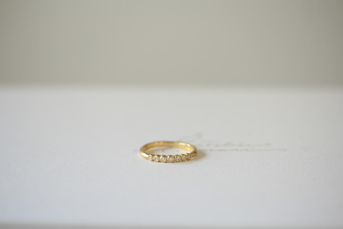 ナチュラルな婚約指輪