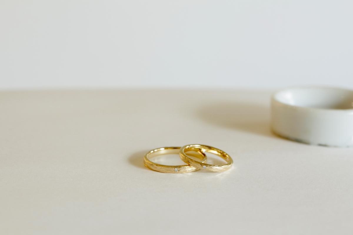 クラフト感のある結婚指輪